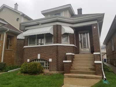 Elmwood Park Single Family Home For Sale: 2933 North 78th Avenue