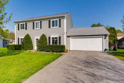 Aurora Single Family Home For Sale: 2935 Barberry Court