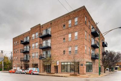 Condo/Townhouse Price Change: 647 North Green Street #202