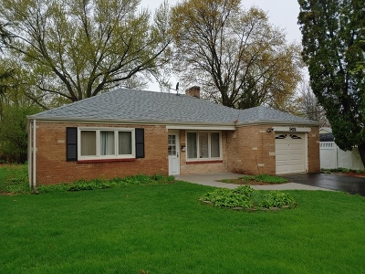 Wheaton Single Family Home For Sale: 902 Aurora Way