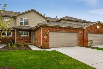 Tinley Park Condo/Townhouse For Sale: 19740 Sunset Court