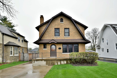 Elmhurst Single Family Home For Sale: 199 North Berteau Avenue