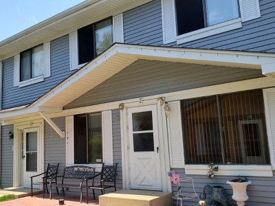 Warrenville Condo/Townhouse Price Change: 29w535 South Winchester Circle South #2