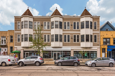 Roscoe Village Condo/Townhouse Contingent: 2044 West Roscoe Street #3N