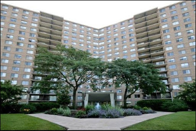Chicago Condo/Townhouse For Sale: 7033 North Kedzie Avenue #1515