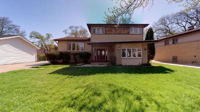 Mount Prospect Single Family Home For Sale: 1413 North Burning Bush Lane