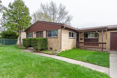 Streamwood Single Family Home For Sale: 321 Walnut Drive
