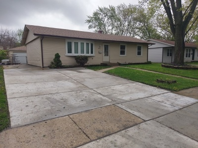 Hanover Park Single Family Home Price Change: 6721 Peach Tree Street