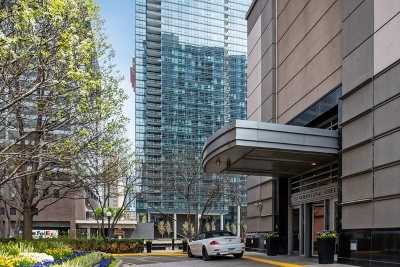 Condo/Townhouse Price Change: 333 North Canal Street #1805