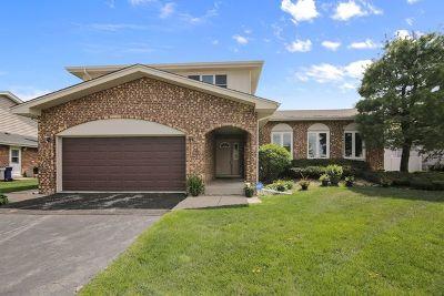 Orland Park Single Family Home For Sale: 8947 Doral Lane