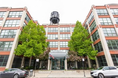 Roscoe Village Condo/Townhouse For Sale: 1800 West Roscoe Street #502