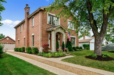 Glenview Single Family Home For Sale: 2136 Walnut Court