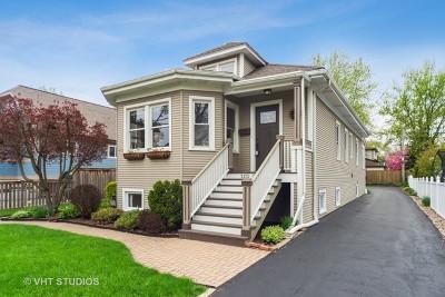 Elmhurst Single Family Home For Sale: 220 North Oak Street