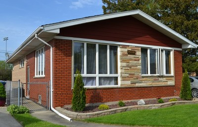 Evergreen Park Single Family Home For Sale: 3028 West 100th Street