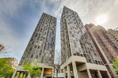 Condo/Townhouse For Sale: 345 West Fullerton Parkway #607