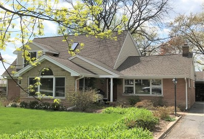 Glenview Single Family Home For Sale: 1716 Kendale Drive
