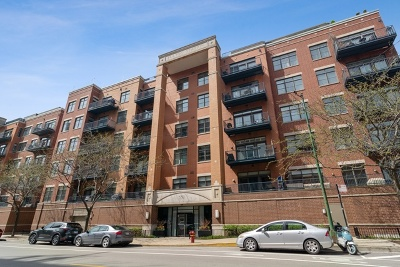 Condo/Townhouse For Sale: 550 West Fulton Street #304