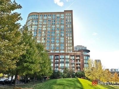 Condo/Townhouse For Sale: 600 North Kingsbury Street #1906