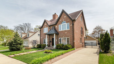 Morton Grove Single Family Home For Sale: 7143 Foster Street