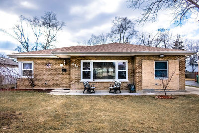 Lombard Single Family Home For Sale: 644 Sheila Place