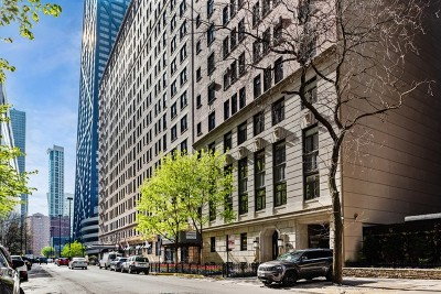 Condo/Townhouse For Sale: 222 East Chestnut Street #7D