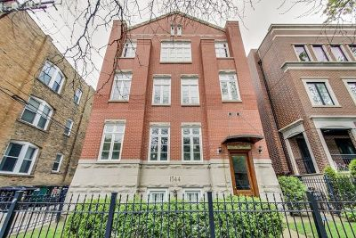 Condo/Townhouse For Sale: 1544 West Addison Street #4