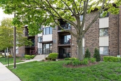 Crestwood Condo/Townhouse For Sale: 14015 Laramie Avenue #304