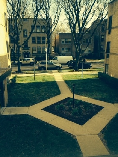 Condo/Townhouse Re-Activated: 2038 West Jarvis Avenue #2D