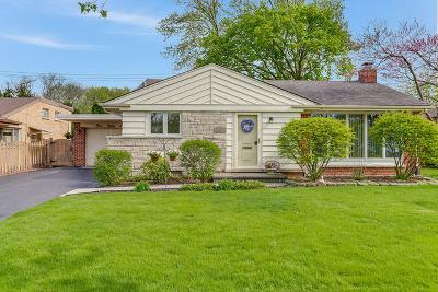 Elmhurst Single Family Home For Sale: 386 East Huntington Lane