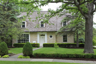 Lake Forest Single Family Home For Sale: 690 Greenview Place