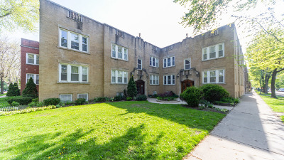 Condo/Townhouse For Sale: 5658 North Maplewood Avenue #2