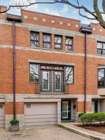 Condo/Townhouse Contingent: 2720 North Greenview Avenue #D