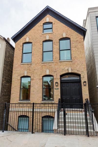 Condo/Townhouse For Sale: 1635 West Pierce Avenue #1