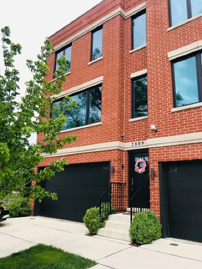 Elmwood Park Condo/Townhouse New: 2809 North 74th Avenue