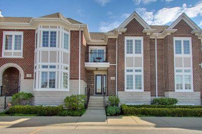 Arlington Heights IL Condo/Townhouse New: $450,000