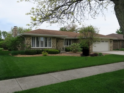Orland Park Single Family Home For Sale: 7647 Chestnut Drive