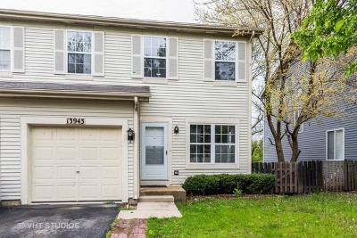 Plainfield Condo/Townhouse For Sale: 13943 South Oakdale Circle