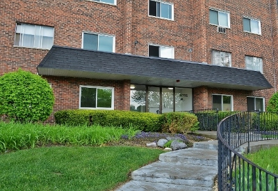 Du Page County Condo/Townhouse New: 4711 St Joseph Creek Road #4D