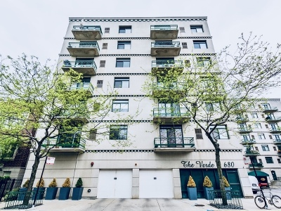 Condo/Townhouse New: 680 North Green Street #712