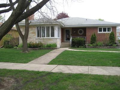 Niles Single Family Home For Sale: 8030 North Octavia Avenue