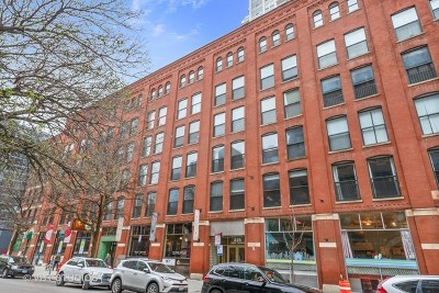 Condo/Townhouse New: 225 West Huron Street #202