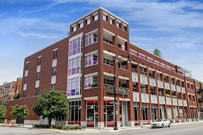 Condo/Townhouse For Sale: 1611 North Hermitage Avenue #401