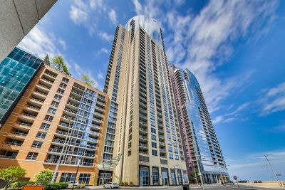 Condo/Townhouse For Sale: 420 East Waterside Drive #901