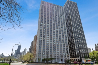 Condo/Townhouse New: 1550 North Lake Shore Drive #28E