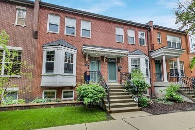 Condo/Townhouse New: 220 West Scott Street #E
