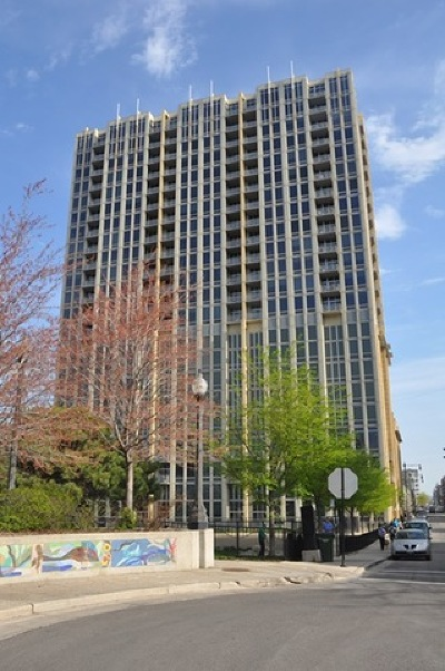Chicago Condo/Townhouse New: 700 North Larrabee Street #812