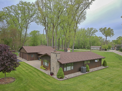 Crystal Lake Single Family Home For Sale: 1206 Whippoorwill Drive