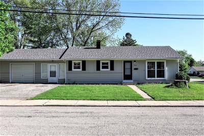 Carpentersville Single Family Home For Sale: 2502 Mocassin Lane