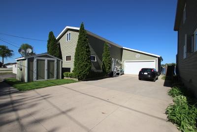 Fox Lake Single Family Home For Sale: 23 Lakeside Lane