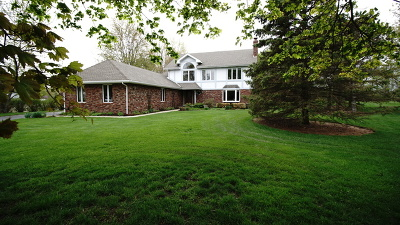Hawthorn Woods Single Family Home For Sale: 34 Steeplechase Drive